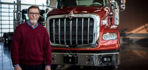 camiones electricos navistar director ejecutivo troy clarke