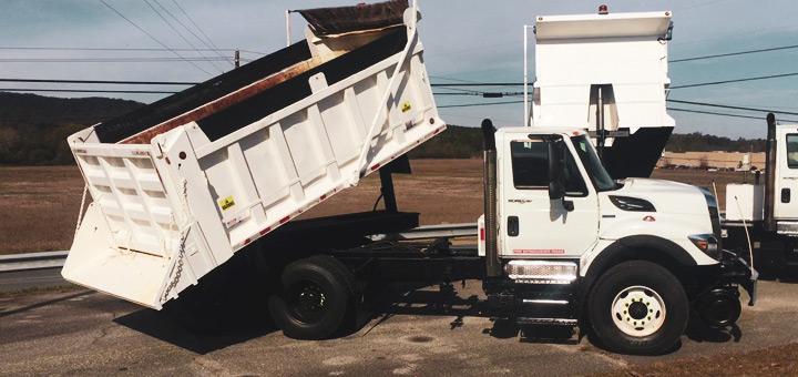 retroceder-forma-segura-camion-carga-aprende-de-otros