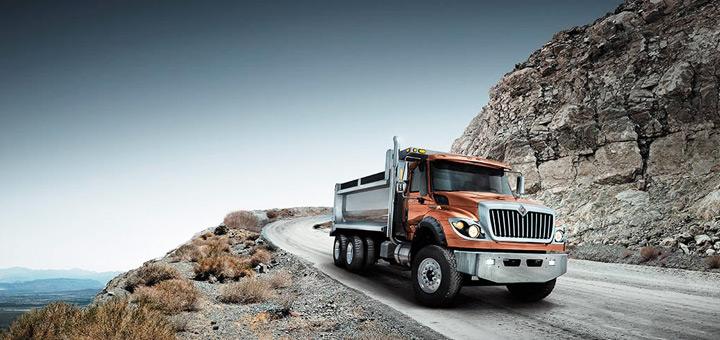 conducir-camion-areas-montanosas-recuperar-control