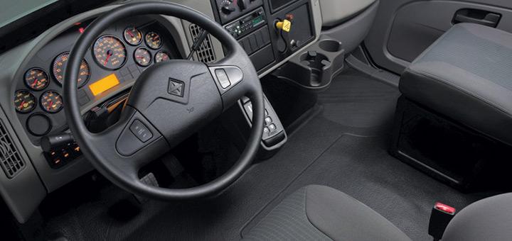 mantenimiento-camiones-tipos-ruidos-no-ignorar-ruido-girar-volante